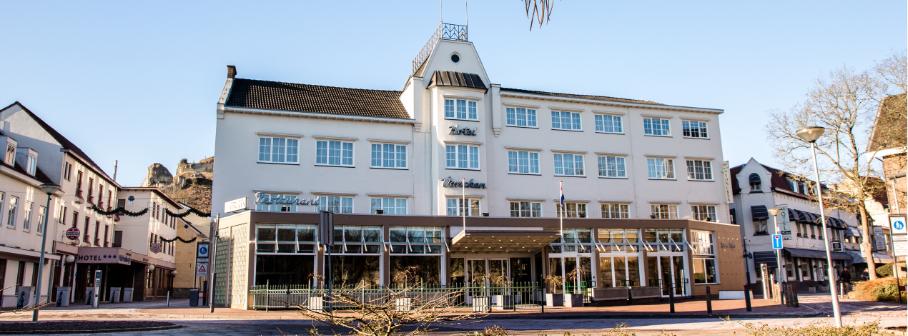 Voorkant van Hotel Voncken overdag