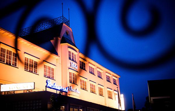 Hotel Voncken in de nacht